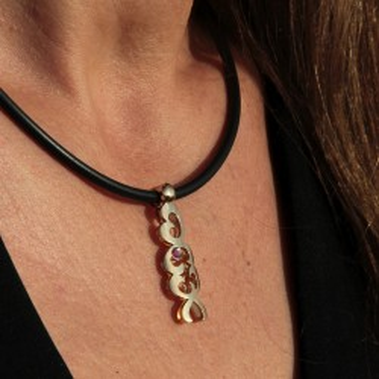 ORITAGE Rose pendant