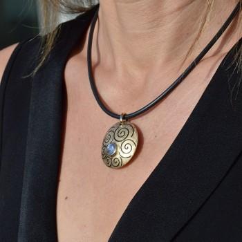 ORIMOON pendant